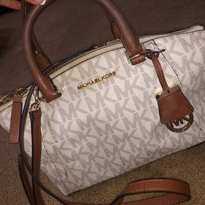 Michael KORS authentic tote.
